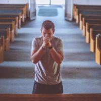 """Zapraszamy do Nowenny """"Żyję i będę żyć dla Kościoła""""."""