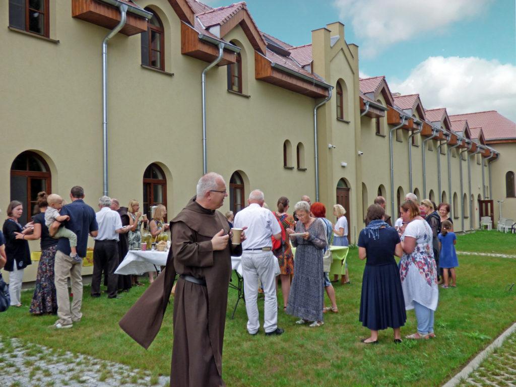 agapa po poświęceniu kaplicy chórowej w Zwoli